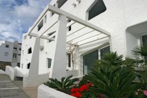 1428552_greek_house
